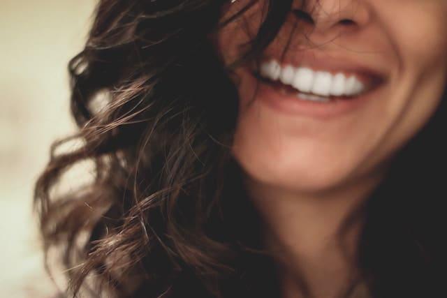 Lächeln durch Zahnzusatzversicherung